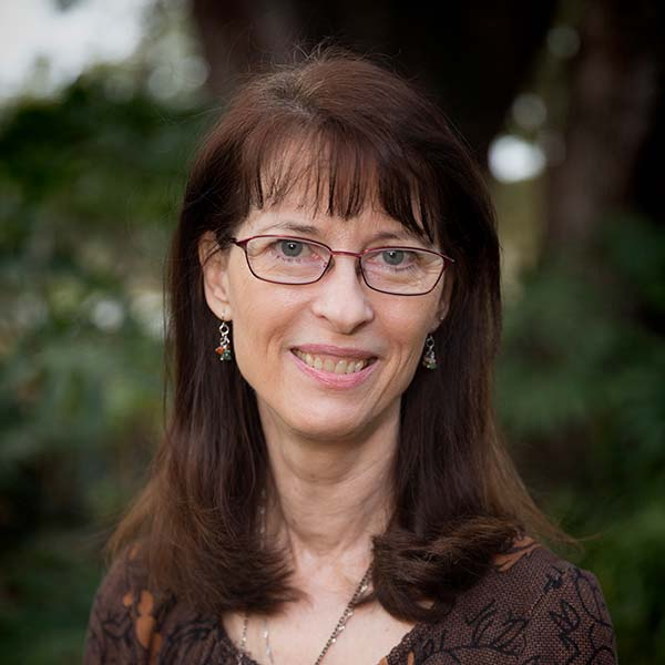 Julie Snow